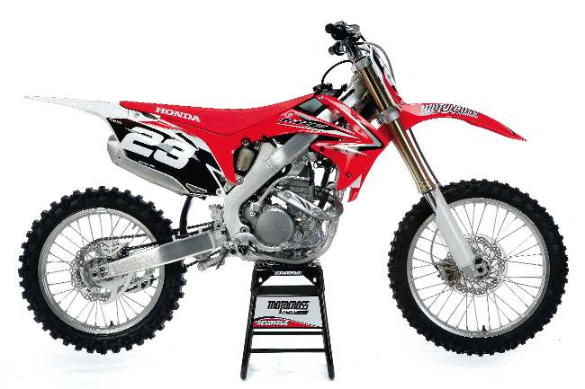REAL TESTS! 2010 MXA 250 SHOOTOUT: HONDA CRF250 VS  YAMAHA YZ250F