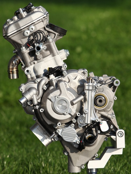 KTM'S ALL-NEW 250cc RACE ENGINE: IT SHARES NOTHING WITH THE CURRENT 250SXF MOTOCROSS DESIGN ...