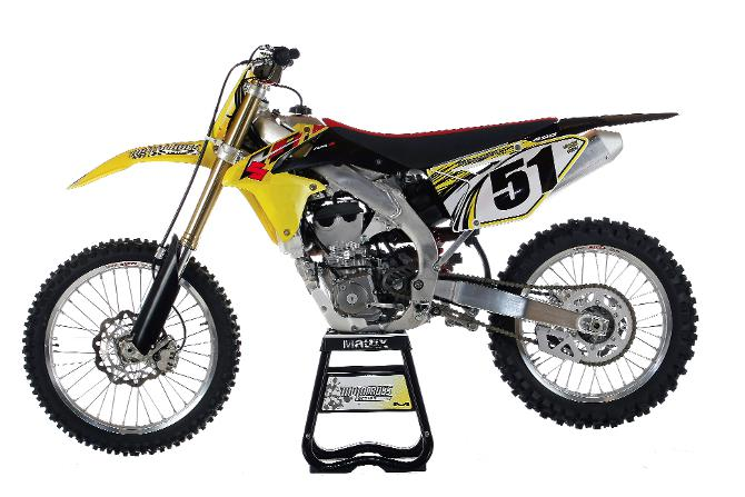 mxa 39 s 2013 suzuki rm z450 motocross test is it a one. Black Bedroom Furniture Sets. Home Design Ideas