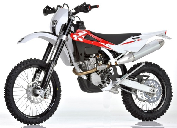 first look fuel injected 2011 husqvarna tc250 there will also be a big bore te310 motocross. Black Bedroom Furniture Sets. Home Design Ideas