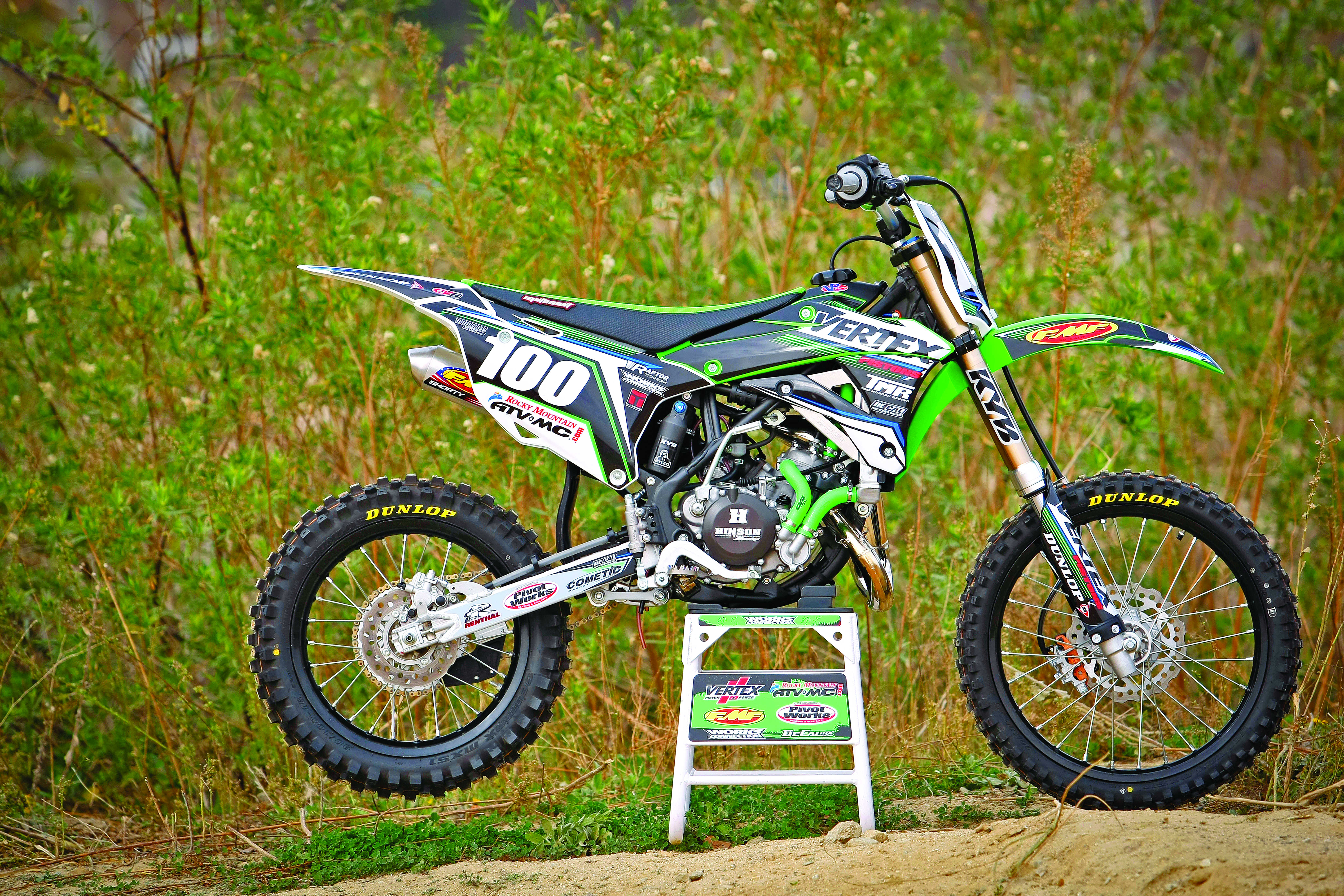 mxa builds a tmr vertex 2014 kawasaki kx100 motocross. Black Bedroom Furniture Sets. Home Design Ideas