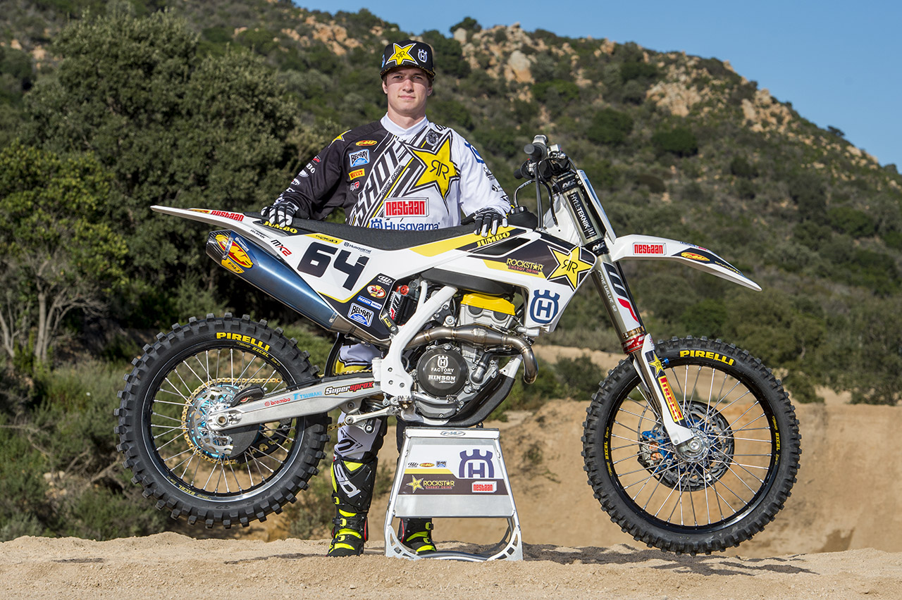 motocross racing essay Motocross its time for more people to begin to find out more about this fun and interesting extreme sport called motocross the sport is composed of riders, their dirt bikes, and an extremely challenging, high-flying racetrack.