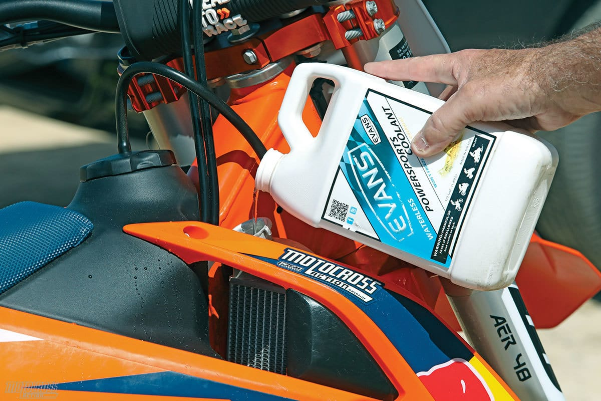 MXA TEAM TESTED: EVANS WATERLESS POWERSPORTS COOLANT | Motocross
