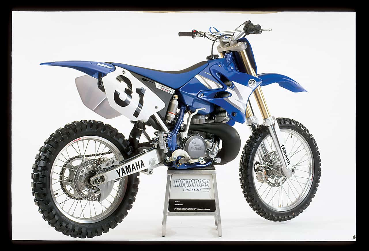 Two stroke tuesday mxa 39 s 2004 250 shootout motocross for Yamaha 250 four stroke
