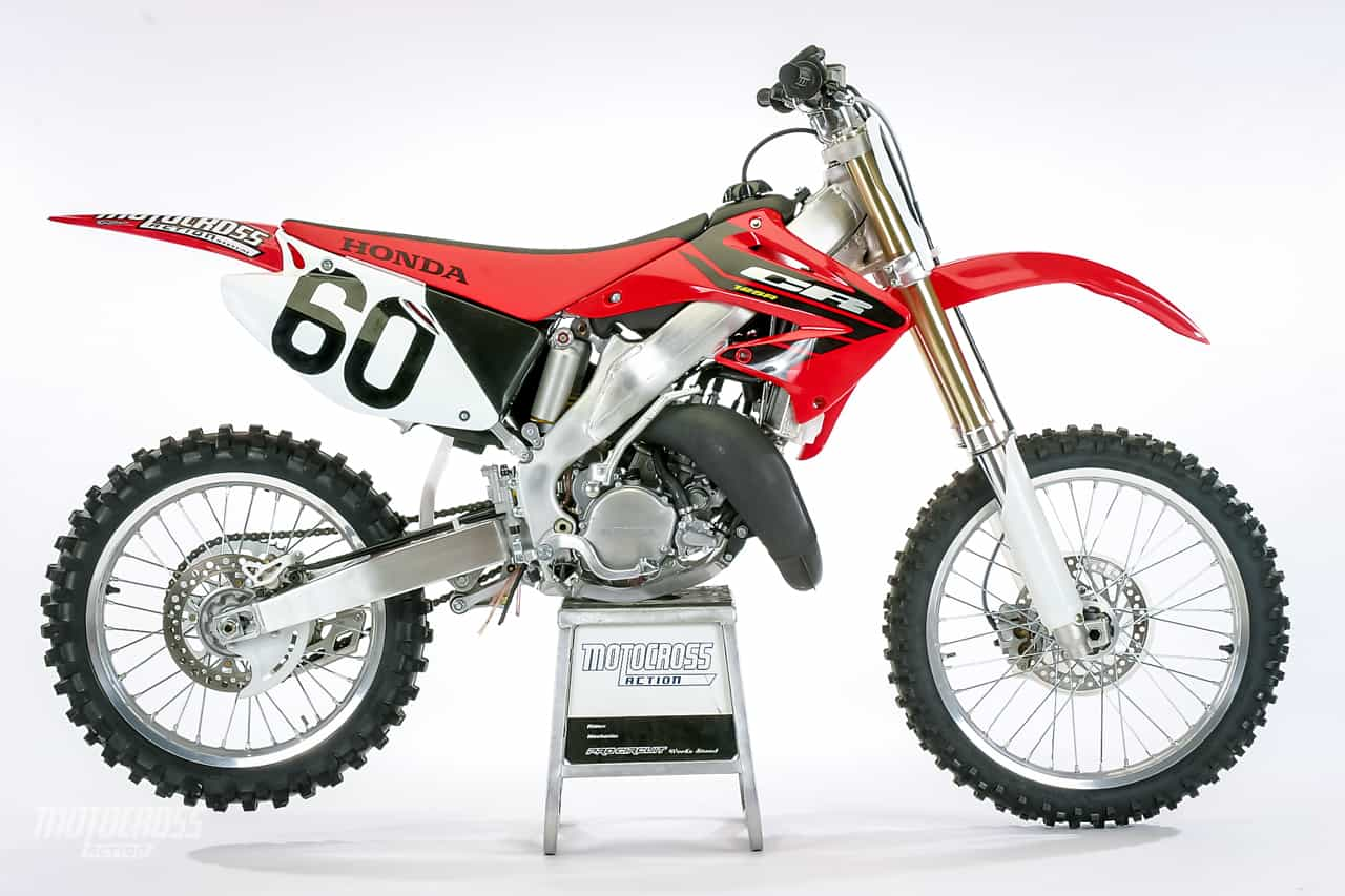 we test the 2004 honda cr125 motocross bike motocross. Black Bedroom Furniture Sets. Home Design Ideas