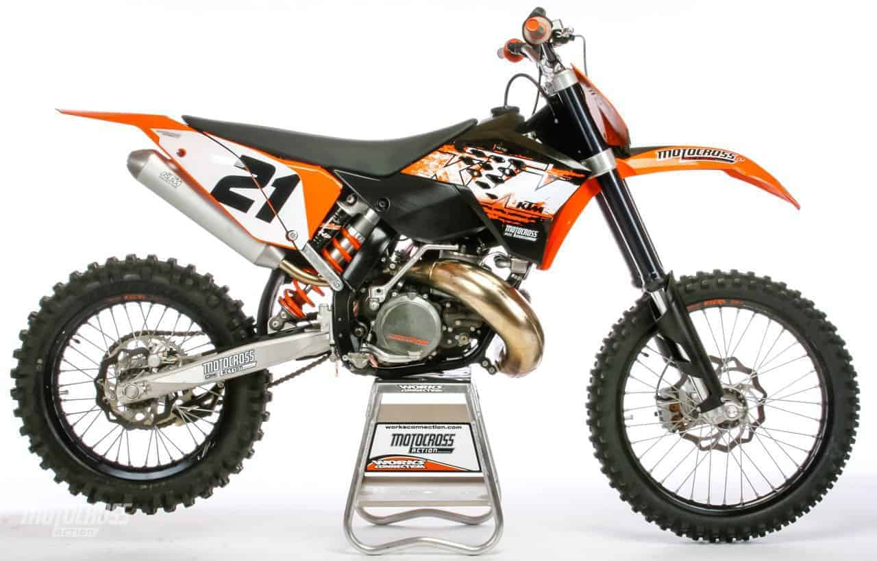 WE BUILD A 2008 KTM ELECTRIC START 300XC | Motocross Action Magazine