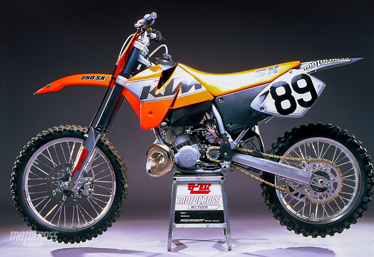 WE TEST THE 2000 KTM 250SX TWO-STROKE | Motocross Action Magazine