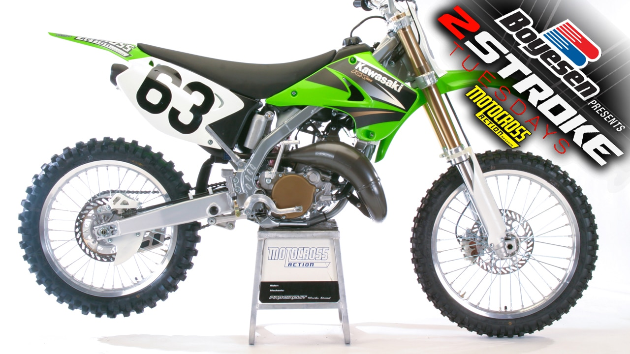 two stroke tuesday we test the 2004 kawasaki kx125. Black Bedroom Furniture Sets. Home Design Ideas