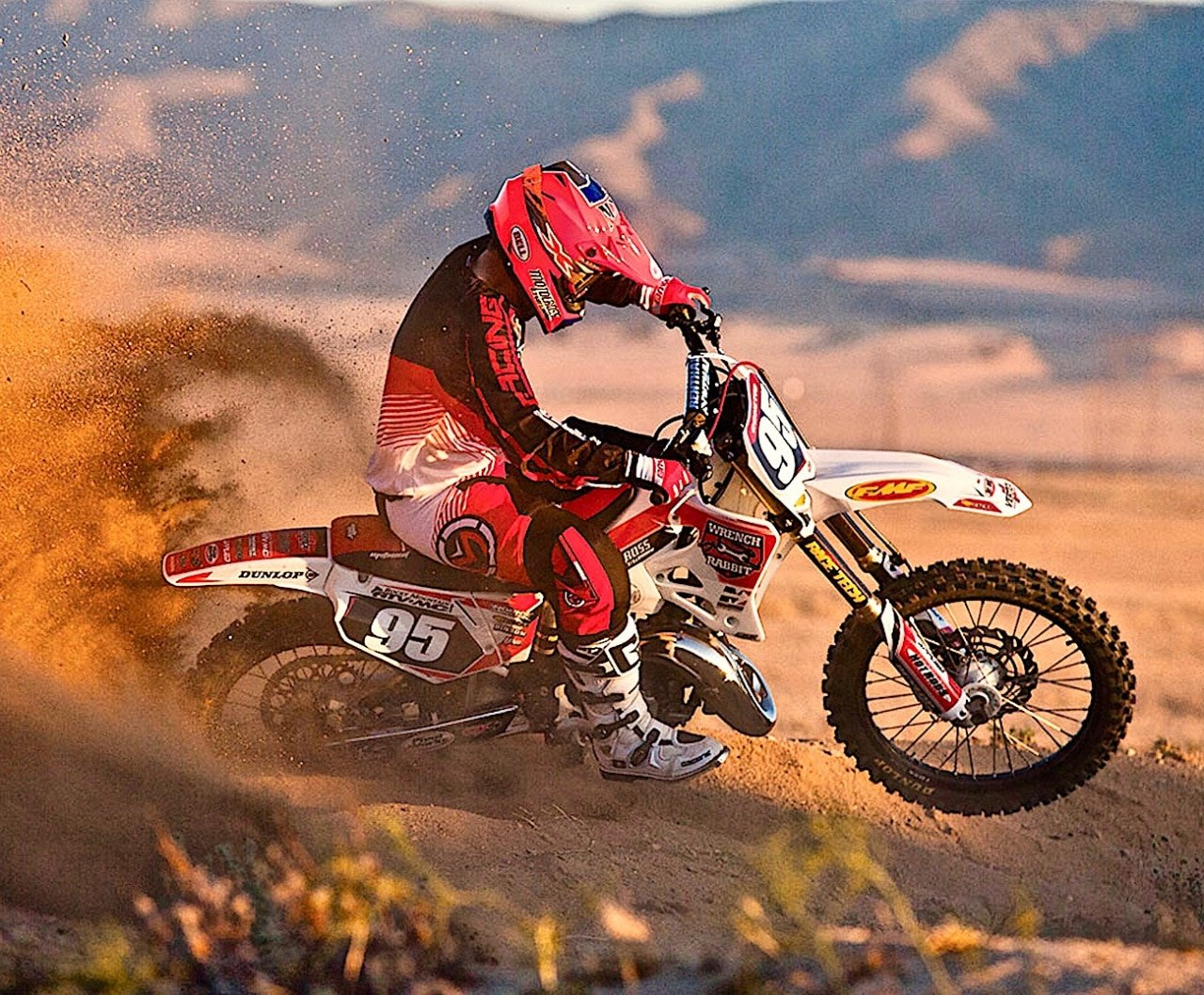 TWO-STROKE TEST: MAKING A 1995 HONDA CR125 BETTER THAN NEW