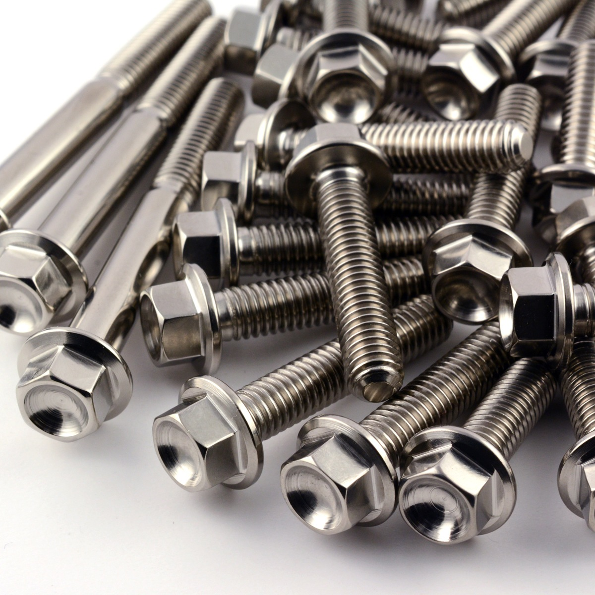 ASK THE MXPERTS: THE WHEN, WHERE, HOW & WHY OF TITANIUM BOLTS