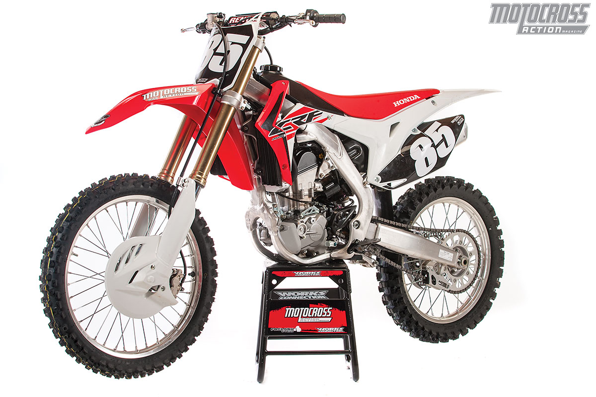 mxa race test 2017 honda crf250 devoid of difference. Black Bedroom Furniture Sets. Home Design Ideas
