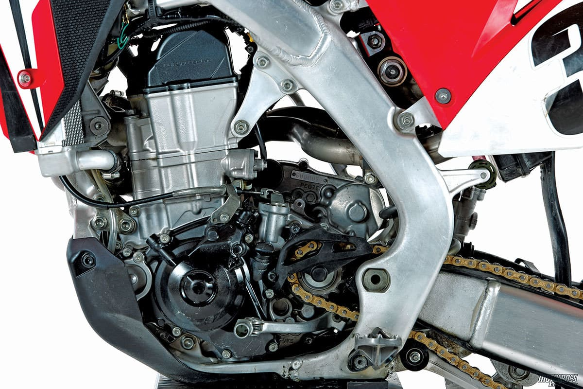 Mxa Race Test 2017 Honda Crf450 Embracing The Past Motocross. Our Crf450 Engine Had A Mechanical Issue That Hurt Its Performance Initially After It Was. Honda. Honda Crf 450 Engine Diagram At Scoala.co