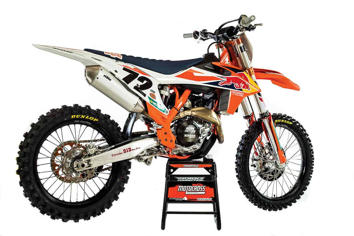 This will be the 2019 ktm 450sxf at first glance it doesnt look a lot different from the 2018 model but there are subtle changes to virtually every part